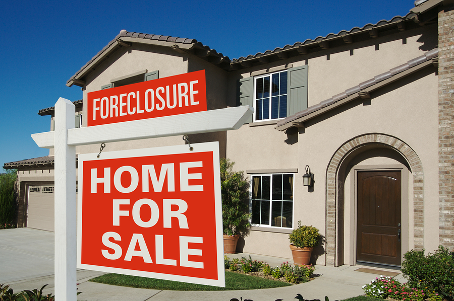 Southwest Florida Foreclosures Down - Naples Golf Homes