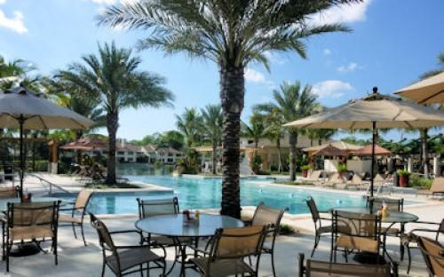 Wyndemere Resort Style Community Pool